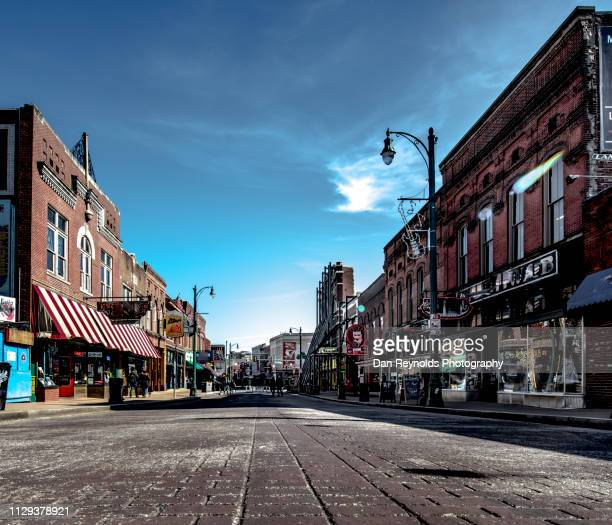 memphis, beale street - pedestrian zone stock pictures, royalty-free photos & images