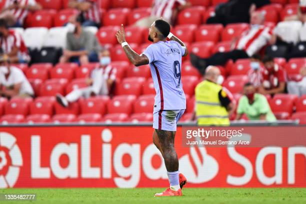 Memphis Depay of FC Barcelona celebrates scoring his sides first goal during the LaLiga Santander match between Athletic Club and FC Barcelona at San...