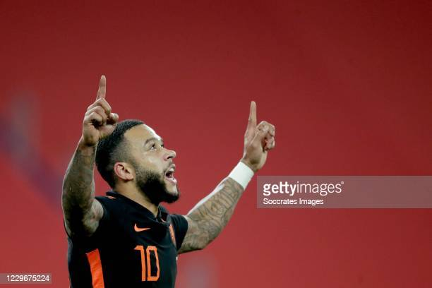 Memphis Depay of Holland celebrates 1-1 during the UEFA Nations league match between Poland v Holland on November 18, 2020