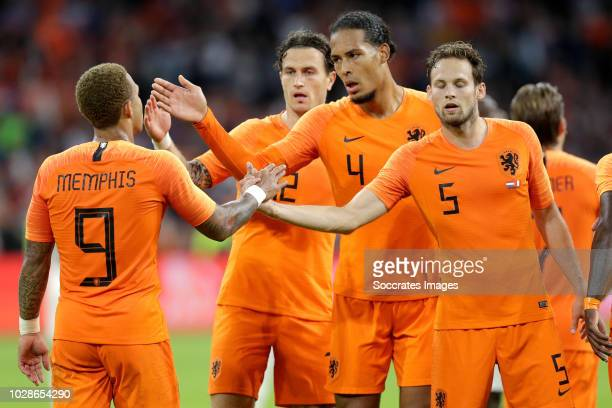 Memphis Depay of Holland celebrates 2-1 with Daryl Janmaat of Holland, Virgil van Dijk of Holland, Daley Blind of Holland during the International...