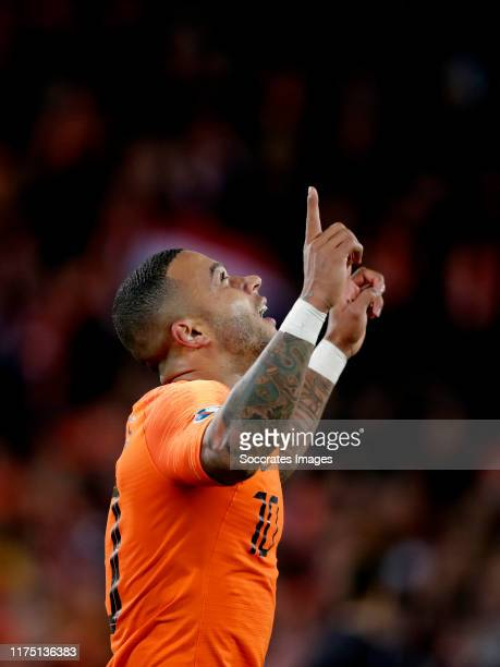 Memphis Depay of Holland celebrates 3-1 during the EURO Qualifier match between Holland v Northern Ireland at the Feijenoord Stadium on October 10,...