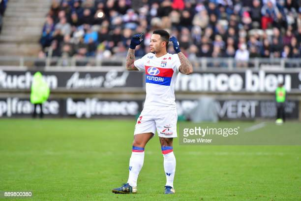 Memphis Depay of Lyon celebrates a goal that is disallowed during the Ligue 1 match between Amiens SC and Olympique Lyonnais at Stade de la Licorne...
