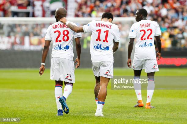 Memphis Depay of Lyon celebrates scoring his goal during the Ligue 1 match between Metz and Olympique Lyonnais at on April 8 2018 in Metz