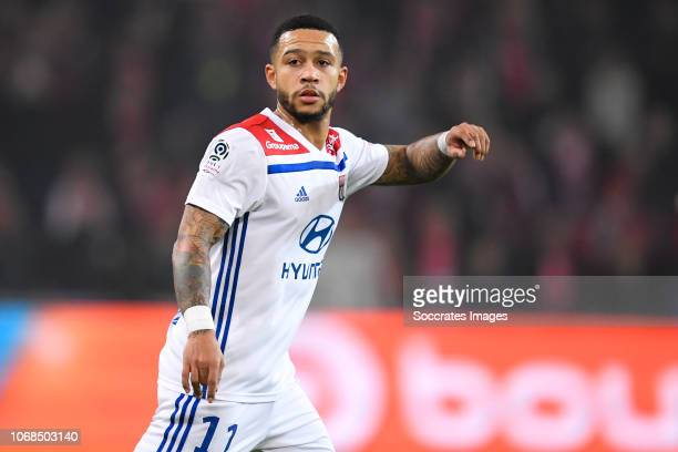 Memphis Depay of Olympique Lyon during the French League 1 match between Lille v Olympique Lyon at the Stade Pierre Mauroy on December 1 2018 in...