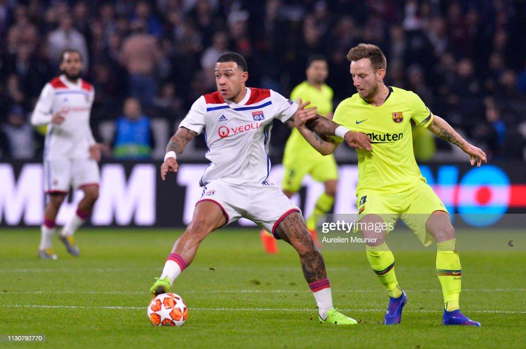 Olympique Lyonnais v FC Barcelona - UEFA Champions League Round of 16: First Leg : Fotografía de noticias
