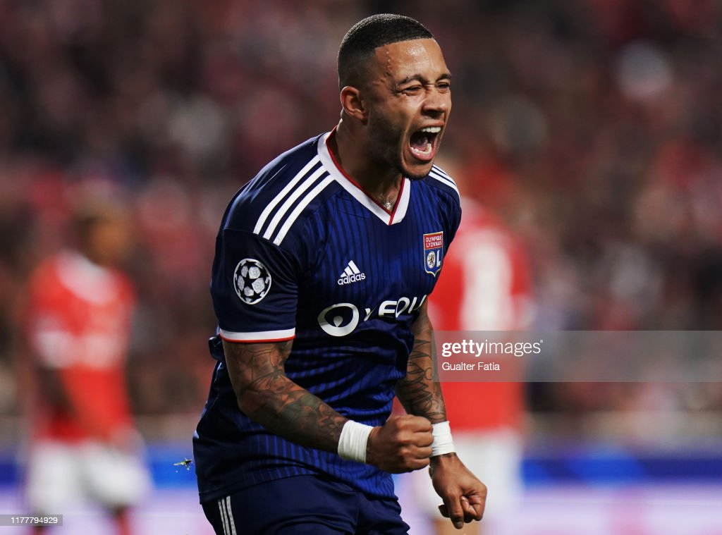 SL Benfica v Olympique Lyon -  Group G - UEFA Champions League : News Photo