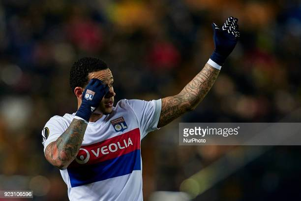 Memphis Depay of Olympique Lyonnais reacts prior to a free kick during the UEFA Europa League round of 32 second leg match between Villarreal CF and...