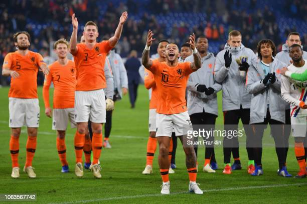 Memphis Depay of the Netherlands and his team mates shows appreciation to the fans following their draw in the UEFA Nations League A group one match...
