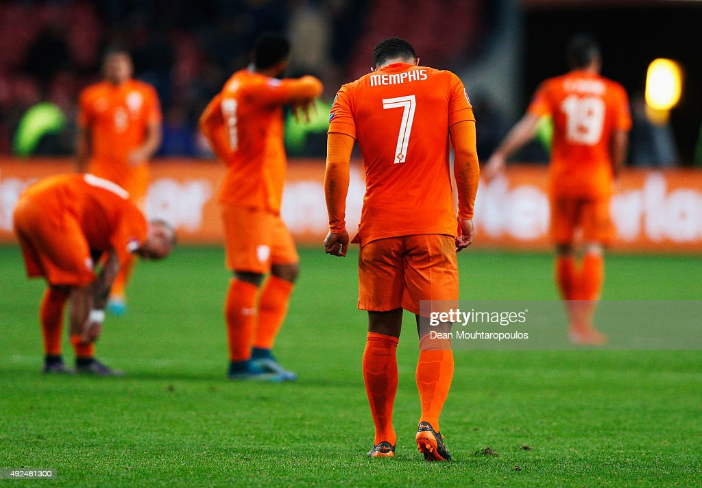Netherlands v Czech Republic - UEFA EURO 2016 Qualifier : Photo d'actualité
