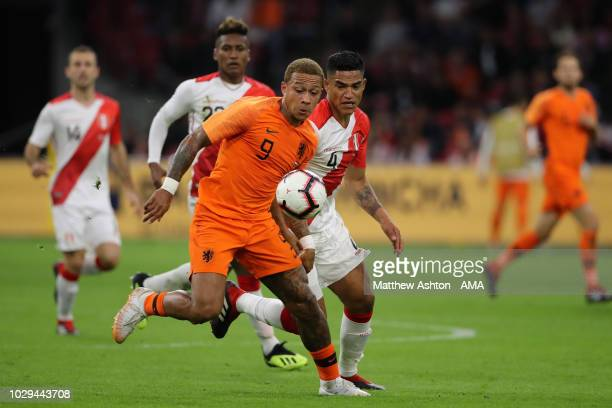 Memphis Depay of The Netherlands / Holland and Anderson Santamaria of Peru during the International Friendly match between Netherlands and Peru on...