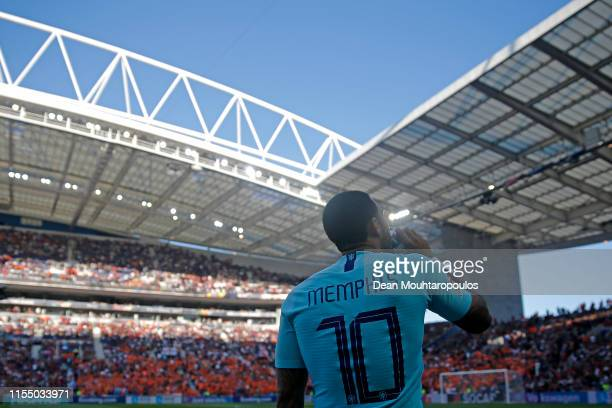 Memphis Depay of The Netherlands looks on prior to the UEFA Nations League Final between Portugal and the Netherlands at Estadio do Dragao on June...