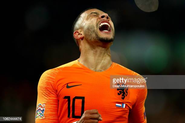 Memphis Depay of the Netherlands reacts during the UEFA Nations League Group A match between Netherlands and France at the Stadion Feijenoord on...