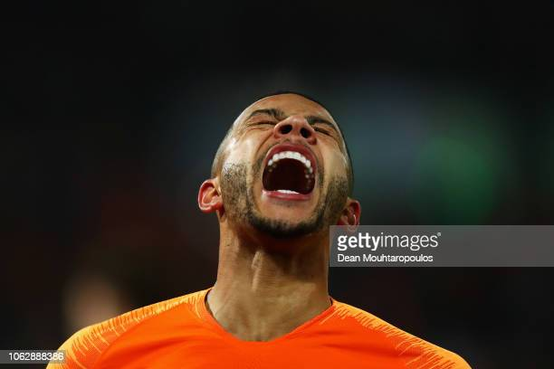 Memphis Depay of the Netherlands reacts to a missed chance on goal during the UEFA Nations League A group one match between Netherlands and France at...
