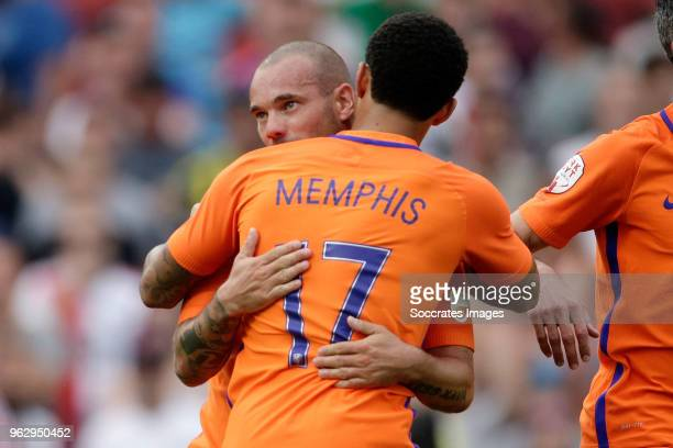Memphis Depay Wesley Sneijder during the Dirk Kuyt Testimonial at the Feyenoord Stadium on May 27 2018 in Rotterdam Netherlands