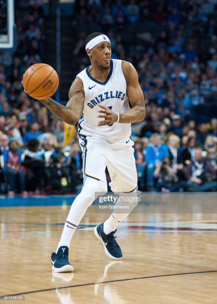 f371ec2f4 ... good selling 834ab 479f5 Memphis Grizzlies Guard Mario Chalmers (6)  making a pass versus ...