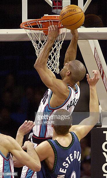 Memphis Grizzlies' Shane Battier misses a slam dunk during the first quarter against the Minnesota Timberwolves 06 December 2001 at The Pyramid in...
