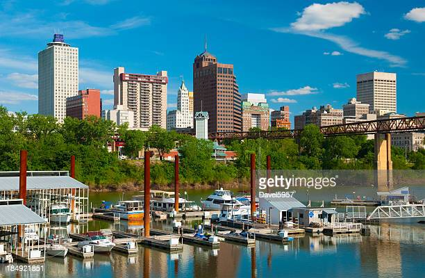 memphis skyline with river and boats - tennessee stock pictures, royalty-free photos & images