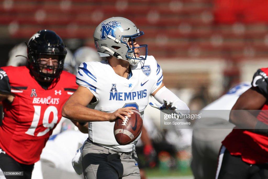 COLLEGE FOOTBALL: OCT 31 Memphis at Cincinnati : News Photo