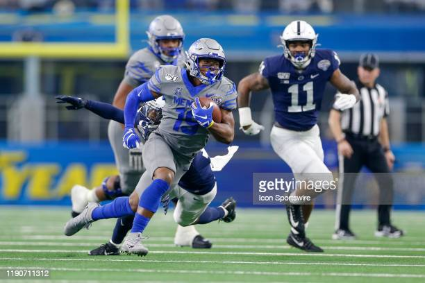 Memphis Tigers running back Kenneth Gainwell rushes during the Cotton Bowl Classic between the Memphis Tigers and Penn State Nittany Lions on...