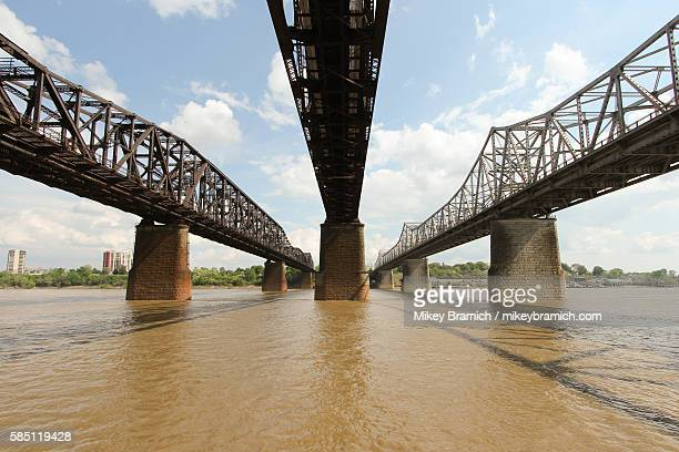 memphis-arkansas bridge - memphis bridge stock photos and pictures