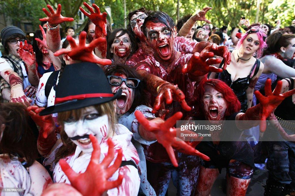 Zombies Walk Sydney City Streets : News Photo
