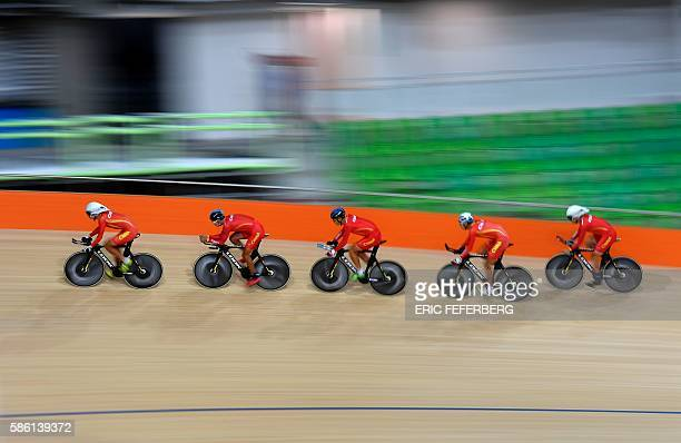 Men Chinese's track cycling team trains at the olympic velodrome in Rio de Janeiro on August 5 the day of the opening ceremony of the Rio 2016...