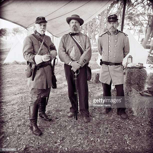 men dressed as confederate soldiers - american civil war stock pictures, royalty-free photos & images