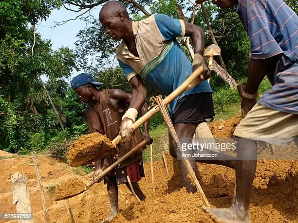 Men mine for diamonds in Bo District Sierra Leone December 6 2008   Location Bo District Sierra Leone