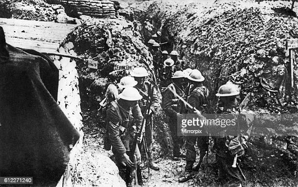 Men of the 1st Lancashire Fusileers fixing bayonets before their assault on BeaumontHamel the Somme Picardy northern France 1st July 1916 World War...