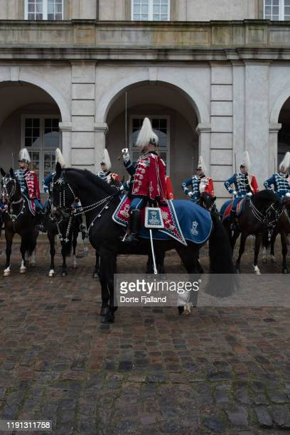 men on horses on the grounds of christiansborg palace - dorte fjalland stock pictures, royalty-free photos & images