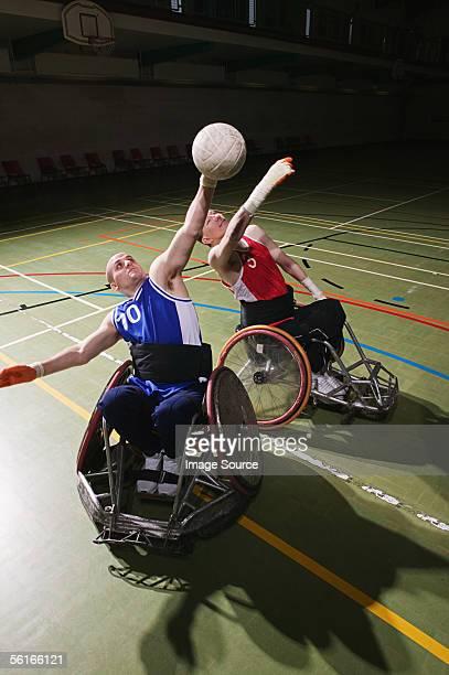 men playing basketball - pessoas com deficiência imagens e fotografias de stock