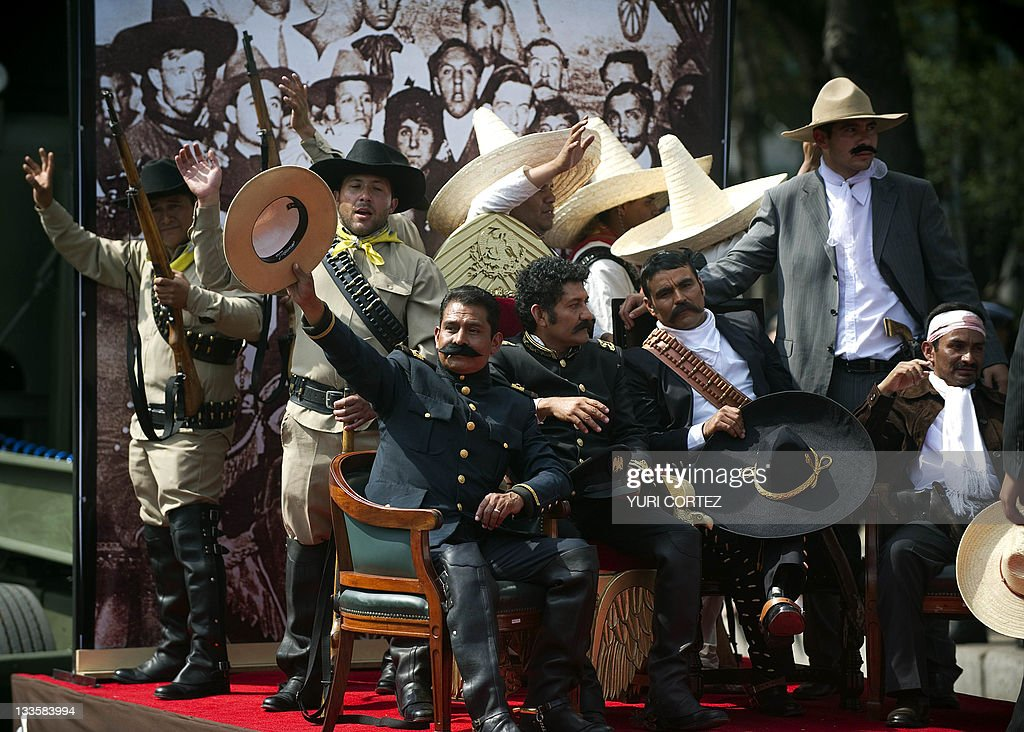 Men representing Mexican revolutionary l : News Photo