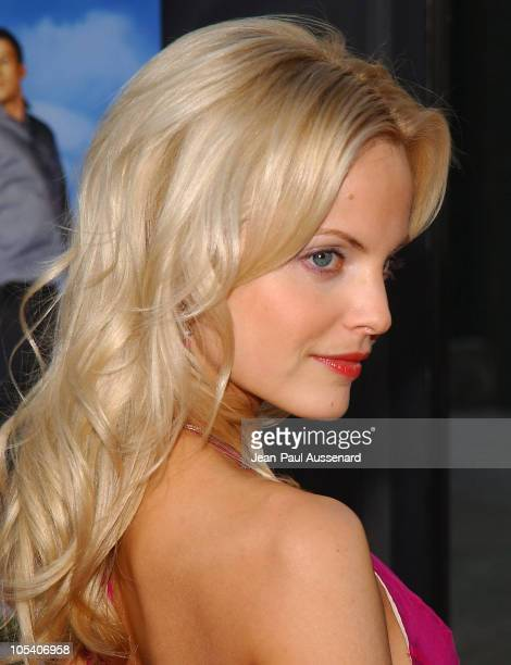 Mena Suvari during HBO's Six Feet Under Fourth Season Los Angeles Premiere at Chinese Theater in Hollywood California United States