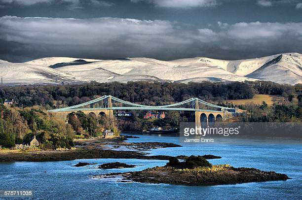 menai suspension bridge - menai suspension bridge stock pictures, royalty-free photos & images