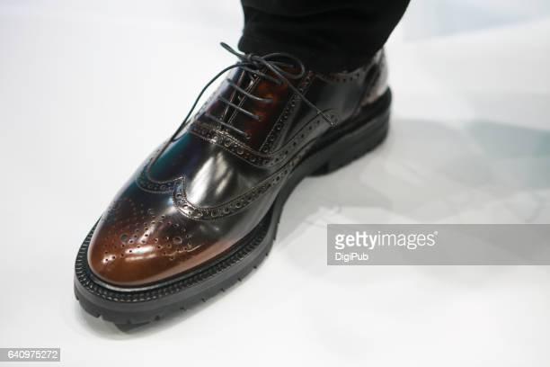 men's leather shoe - レザー・シューズ ストックフォトと画像