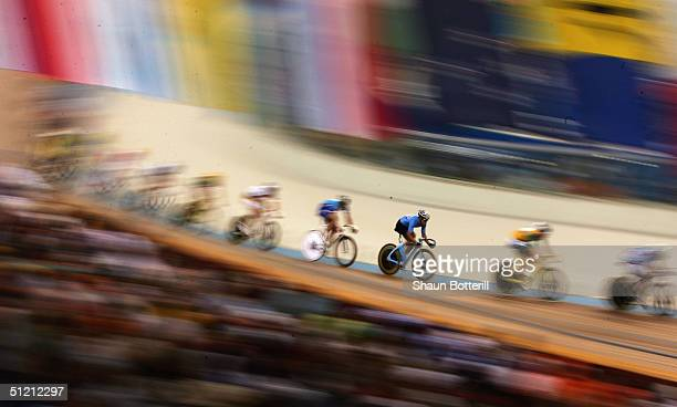 mens points race final - the olympic games stock pictures, royalty-free photos & images