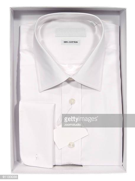 Chemise hommes dans une boîte