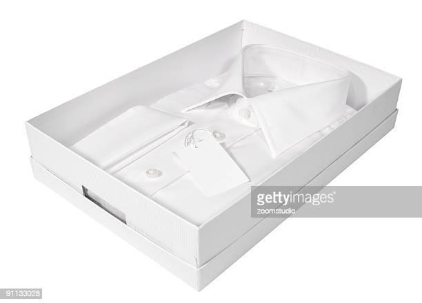 Hombre de camisa blanca