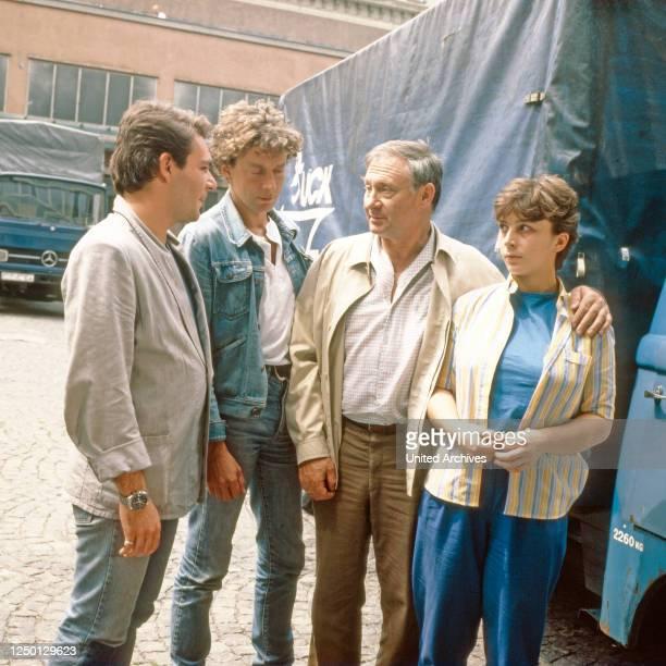 Mensch Bachmann, Fernsehserie, Deutschland 1984, Episode: Es geht um Renate, Darsteller: Peter von Strombeck, Michael Tregor, Rolf Schimpf, Bettina...