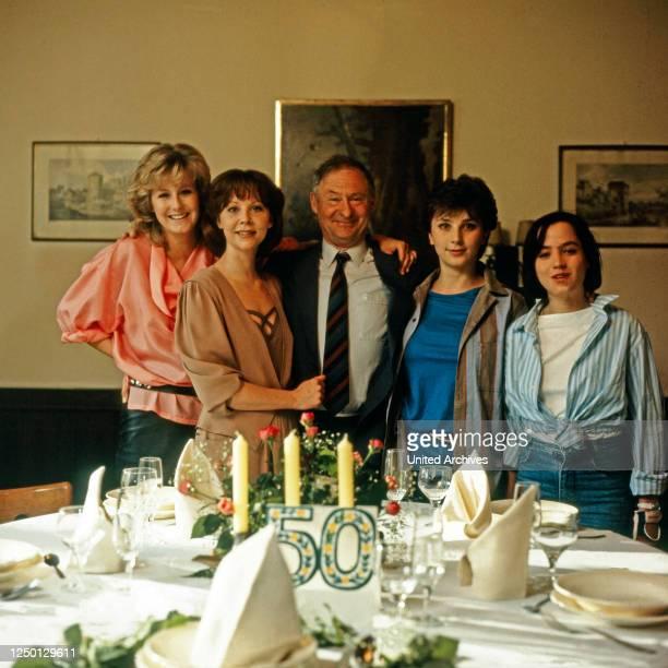 Mensch Bachmann Fernsehserie Deutschland 1984 Episode Reisen Sehen Träumen Darsteller Verena Peter Bettina Redlich Rolf Schimpf Caroline Ohrner Anja...