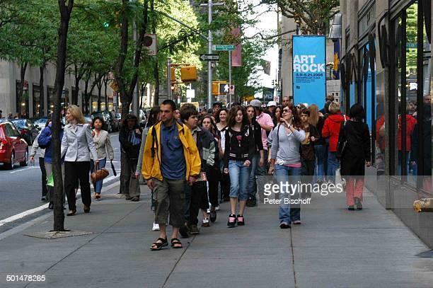 Menschengruppe, Manhattan, New York, USA, Amerika, Reise, BB, DIG; P.-Nr.: 741/2006, ;