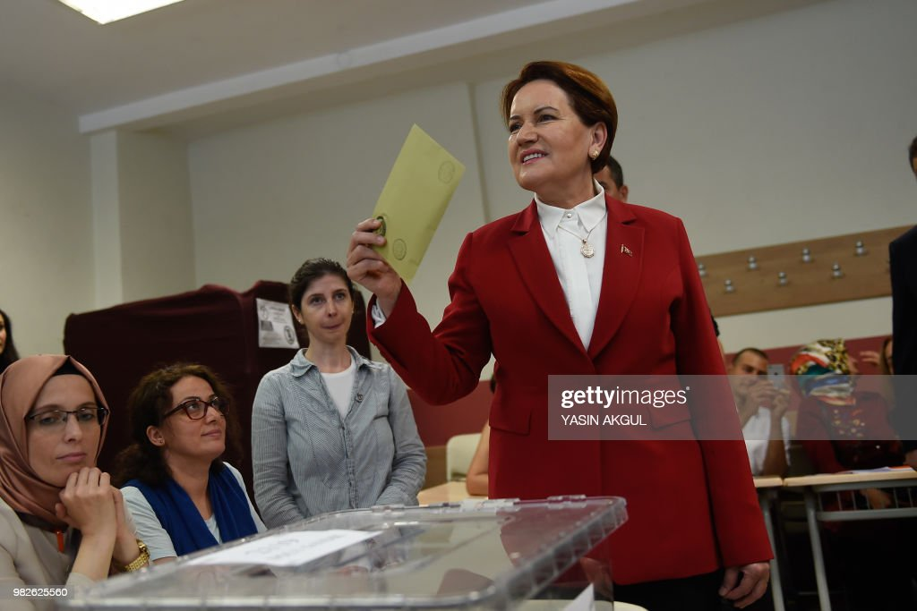 Meral Aksener, Iyi (Good) Party leader and presidential candidate, casts her ballot at a polling station in snap twin Turkish presidential and parliamentary elections in Istanbul on June 24, 2018. - Turks began voting in dual parliamentary and presidential polls seen as the President's toughest election test, with the opposition revitalised and his popularity at risk from growing economic troubles.