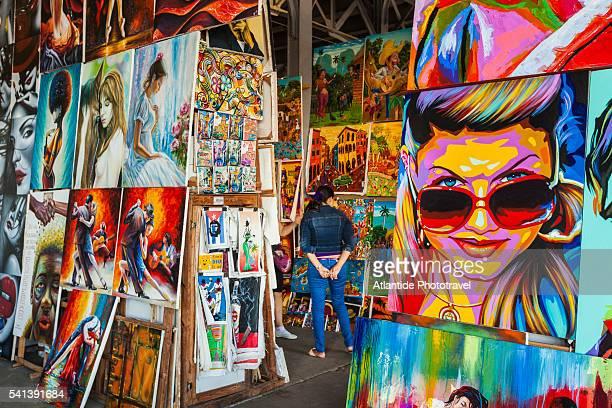 mercado de arte y artesanias, handicraft market - arte ストックフォトと画像