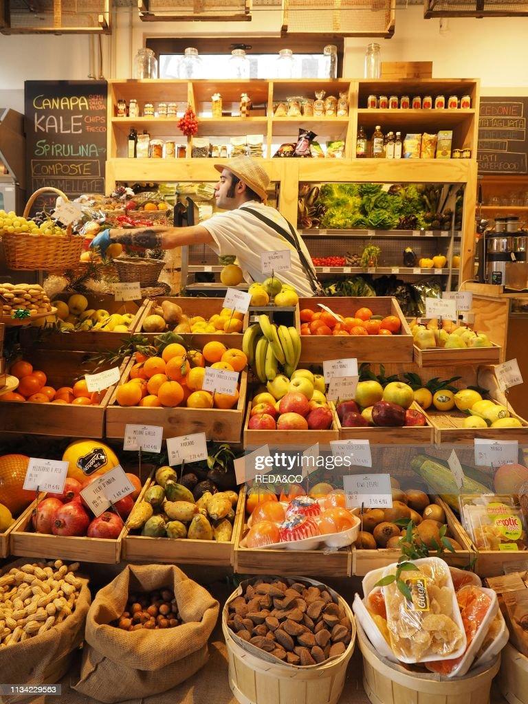 Mercato con Cucina. market. foodstore and restaurant. Piazza ...