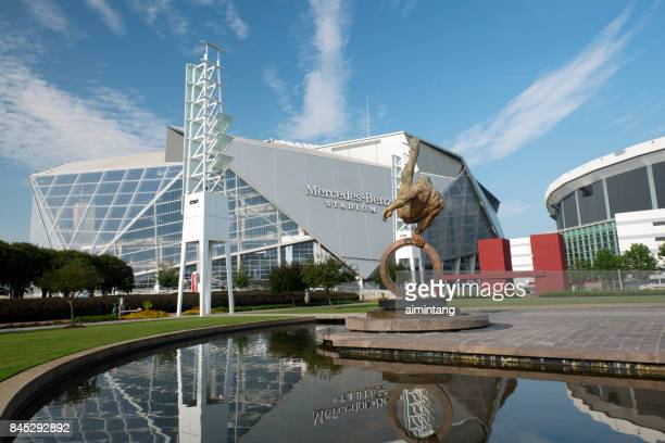 mercedes benz stadium in atlanta - atlanta georgia stock pictures, royalty-free photos & images