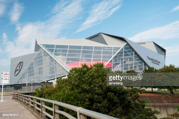 mercedes benz stadium in downtown atlanta - art institute of atlanta stock pictures, royalty-free photos & images