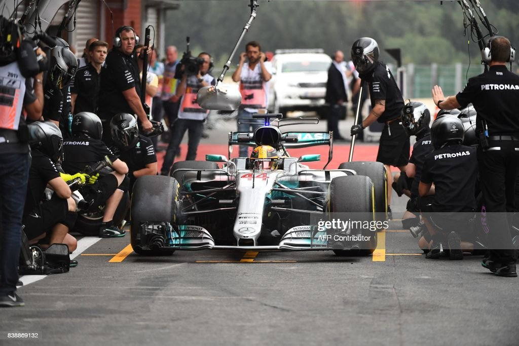 TOPSHOT - Mercedes' British driver Lewis Hamilton prepares to leave the pits for the second practice session at the Spa-Francorchamps circuit in Spa on August 25, 2017 ahead of the Belgian Formula One Grand Prix. / AFP PHOTO / Emmanuel DUNAND