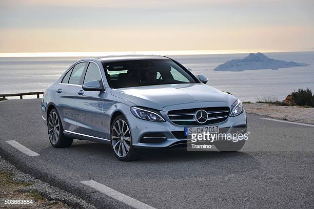 mercedes c-class stopped on the road - grand isle premiere stockfoto's en -beelden