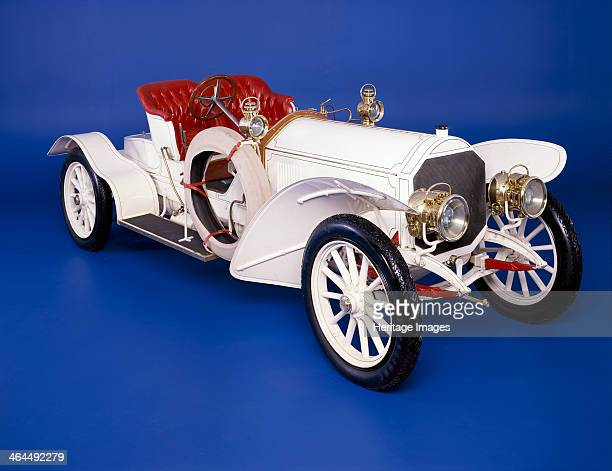 Mercedes Simplex 70 hp Sportswagen The Simplex with its 6 cylinder engine was the last car designed by Wilhelm Maybach who left the company in 1907...