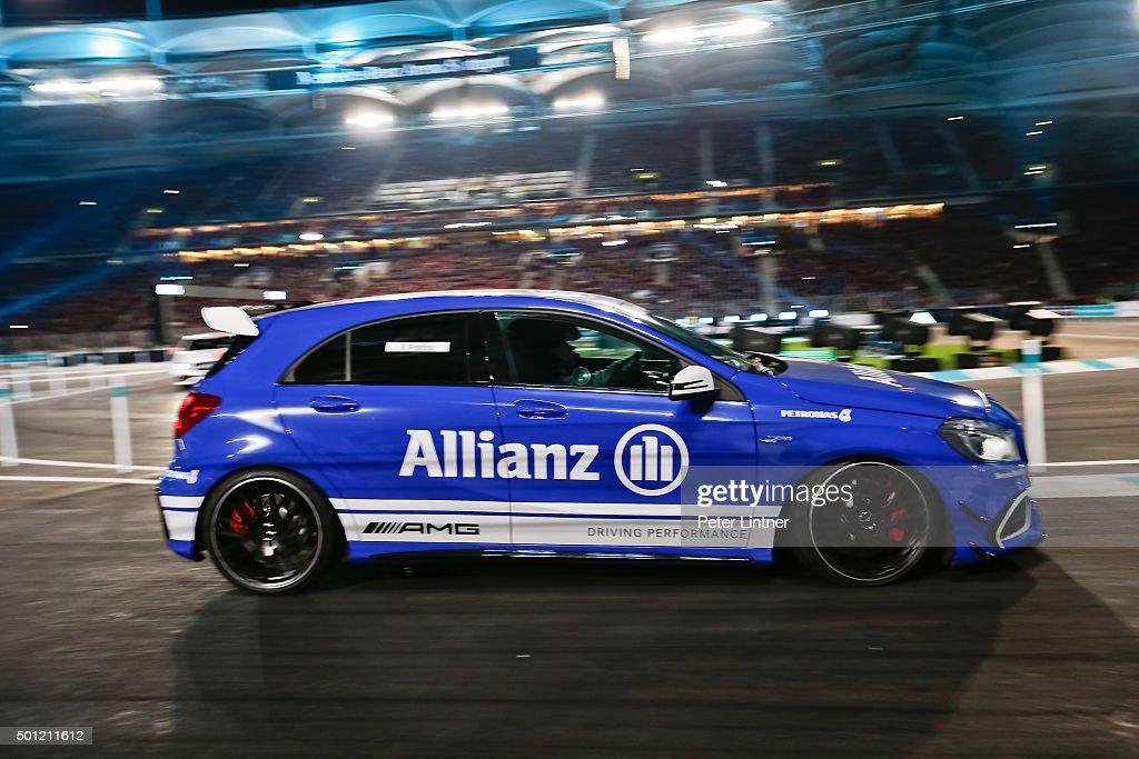 Stars & Cars 2015 : News Photo